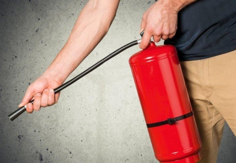 10 tips om brand door elektriciteit te voorkomen
